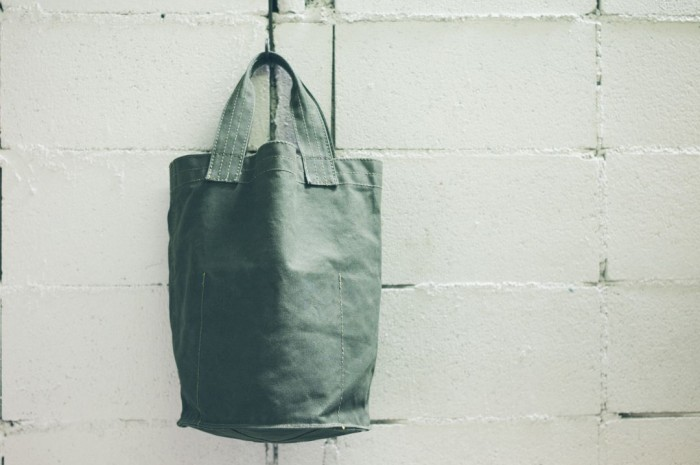 vulcanized-cloth-tote